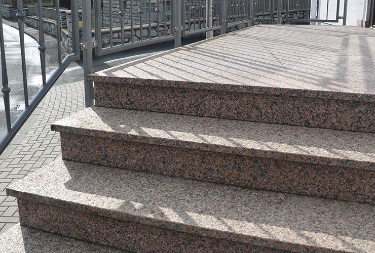 Gelbert Natursteine - Treppe