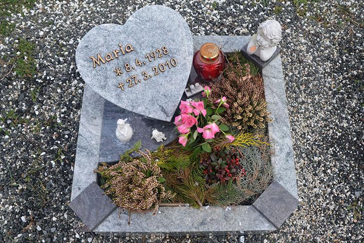 Gelbert Natursteine - Urnengräber
